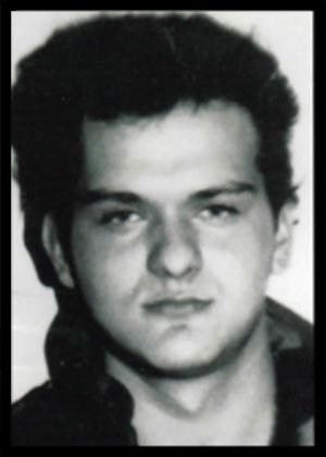PERICA LOVRENČIĆ Rođen: 14.04.1972. Poginuo:  11.12.1994. Mjesto pogibije: Sinjsko zalede Postrojba: 7. gardijska brigada