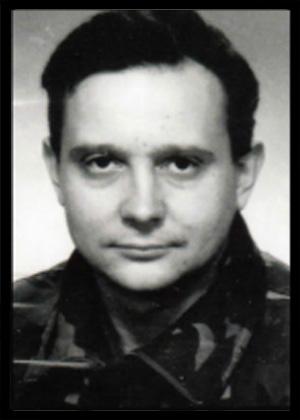 SINIŠA PAVKOVIĆ Rođen: 24.04.1965. Poginuo: 24.12.1993. Mjesto pogibije: juzno bojište Postrojba: 2. gardijska brigada